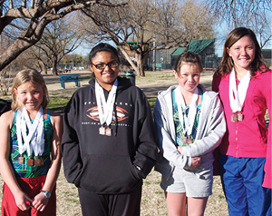 Girls Relay team Tabitha Kellam, Royann Estrada, Darien Apuron, Gianna Sweeney .jpg