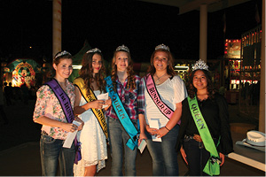 2013 Pioneer Days_024Queen group.JPG
