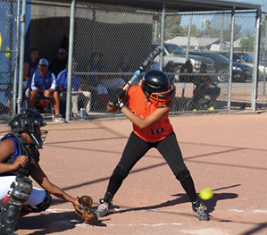 SUN Sports Softball Pinky Thomas Takes A Pitch.jpg