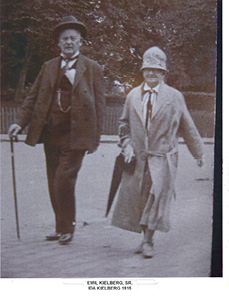 Photo #10 Emil and Ida Kielberg 1915.jpg
